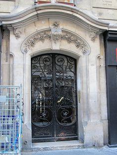 Immeuble (1903), architecte Charles Goujon - Rue Damrémont, Paris XVIIIe