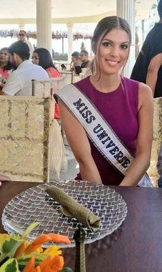 Hermosa Iris Mittenaere Miss Universo 2016 en Machala en un almuerzo ofrecido por el Alcalde de la ciudad Carlos Falquez.