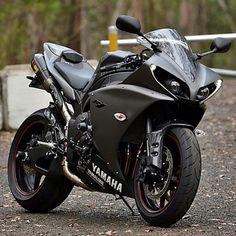 Yamaha R1 …