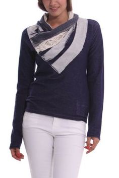 Desigual women's Aina jumper with a contrast neckline in different fabrics. Slim fit.