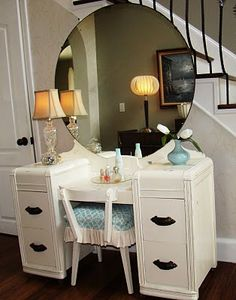 We had an old wood vanity when Sis and I were growing up.  Don't remember much about the exact style other than the round mirror. round mirror, vintag vaniti, vaniti dresser, wood vaniti, vaniti project