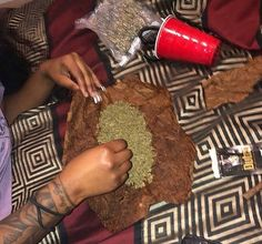 on insta on snap Weed Girls, 420 Girls, Stoner Art, Puff And Pass, Manicure Y Pedicure, Mary J, Buy Weed, Medical Marijuana, Herbs
