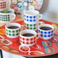 http://deco-graphic.com/7806-thickbox_default/5-tasses-a-cafe-damier-arcopal-vintage.jpg