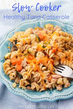 This slow cooker tuna casserole could not be easier! You'll love making this recipe for those quick weeknight dinners. You can customize this healthy tuna casserole by including your favorite veggies! Healthy Slow Cooker, Healthy Crockpot Recipes, Slow Cooker Recipes, 21dayfix Recipes, Tuna Casserole Healthy, Healthy Tuna, Healthy Eating, Clean Eating, 21 Day Fix Meal Plan