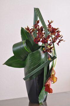Summer Flower Arrangements, Contemporary Flower Arrangements, Ikebana Flower Arrangement, Ikebana Arrangements, Beautiful Flower Arrangements, Floral Arrangements, Beautiful Flowers, Hotel Flowers, Tall Flowers