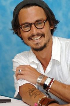 Appearance pref 1: Wears glasses. Like legit. Not just hipsterish. And yeah I used a pic of Johnny Depp. What now, badger?