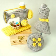 Crochet/amigurumi sewing room pattern by Amiguria Knit Or Crochet, Crochet Food, Crochet Crafts, Crochet Dolls, Yarn Crafts, Crochet Projects, Sewing Crafts, Sewing Toys, Amigurumi Patterns