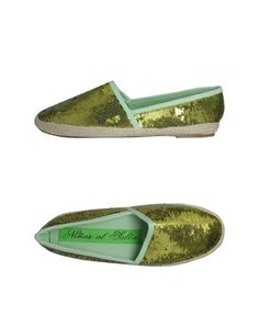 Ninas al salon €56 Toms, Loafers, Sneakers, Fashion, Lounges, Travel Shoes, Tennis, Moda, Slippers