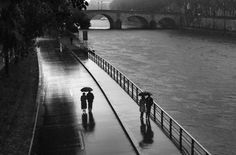 Paris  Photo: Peter Turnley  from the book: French Kiss A love letter to Paris