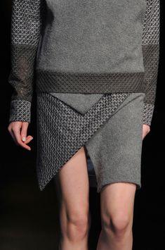 Geometric fashion details - clean asymmetric cut & micro patterns // Prabal Gurung Fall 2014 ♦F&I♦ Knit Fashion, Fashion Week, New York Fashion, Fashion Art, Love Fashion, Fashion Show, Autumn Fashion, Womens Fashion, Fashion Trends