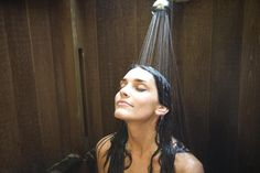Can you wash your hair with water only? Learn the truth behing this hair washing alternative.