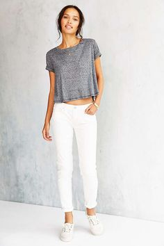 BDG Low-Rise Twig Jean - White Wash - Urban Outfitters