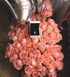 Life in business : Photo My Flower, Flower Power, Coral Roses, Luxury Flowers, Flower Aesthetic, Everything Pink, Rose Bouquet, Love Gifts, Couple Gifts