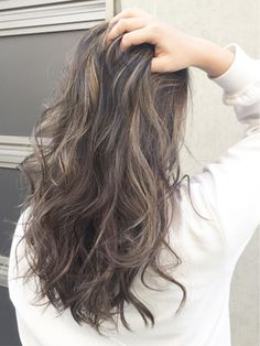 【ACQUA表参道】夏にぴったりの外国人風ハイライトカラー About Hair, Hair Inspo, Hair Goals, Updos, Makeup Tips, Salons, Hair Color, Hair Beauty, Make Up