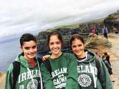 Claudia Joan y Anna  veraneando en #Galway mientras estudian #inglés en #familia  #Family #Irlanda #Ireland #idiomas #viaje #travel #instatravel #igtravel #igireland #familytrip