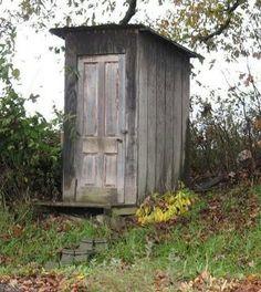 dc0a0f1c5e1a931d3b22969aefe1270e--outdoor-toilet-farm-life.jpg