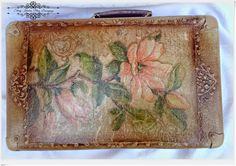 Magnolie , beże i ornamentowe reliefy - walizka w stylu retro - Decoupage.