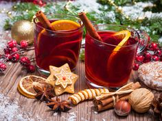 Festive cocktails have become a staple holiday tradition. Spice up your bar this December with these festive yet exotic cocktails from around the globe Snow Covered Christmas Trees, Christmas Tree And Fireplace, Christmas Tree With Presents, Dog Food Brands, Christmas Interiors, Tea Packaging, Pomegranate Juice, Mulled Wine, Holiday Cocktails