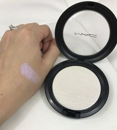 MAC Extra Dimension Skinfinish In Soft Frost