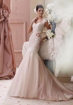 6b6f13ef6a A(z) Ruhatervezők :) nevű tábla 15 legjobb képe   Wedding dresses ...