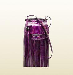 El armario primaveral necesita un toque boho, por eso añadimos el bolso Nouveau Fringe de Gucci a la #Wishlist. http://www.vogue.mx/galerias/objetos-del-deseo-marzo-2014/3079/image/1182964
