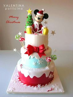 Mickeys Christmas Party, Minnie Mouse Christmas, Christmas Goodies, Christmas Desserts, Christmas Cakes, Bolo Mickey, Mickey E Minie, Mickey Cakes, Mickey Mouse Cake