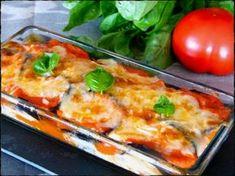 Berenjenas a la parmesana. Ingredientes para 4 porciones: Berenjenas medianas 3 Sal gruesa para las berenjenas cantidad necesaria Aceite para freír cantidad necesar