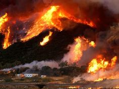 En Californie, une tornade de feu à 100 km de Los Angeles