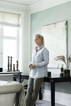 Visite déco : une jolie maison scandinave aux couleurs douces sur @decocrush #celadon #opaline #getthelook