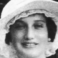 Edith Ewing Beale ,mother to Edith Bouvier Beale, aunt to Jackie Kennedy