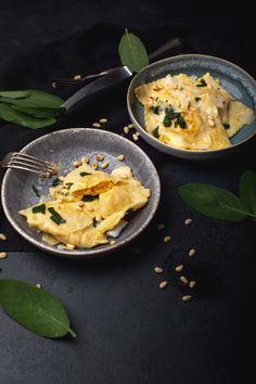 Ravioli, Curry, Ethnic Recipes, Food, Pumpkin Pasta, Falafel Recipe, Kochen, Food Food, Meal