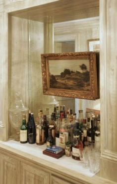 Oil painting over a mirrored bar - Phoebe Howard. This would be cool to do even without the bar! Bar Tray, Bar Set Up, Wet Bars, Bar Drinks, Drinks Tray, Bars For Home, House Design, Design Hotel, Restaurant Design