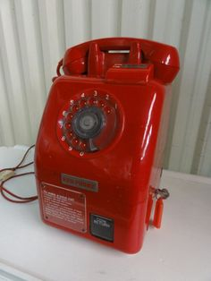Red Pay Phone - love it - want it!