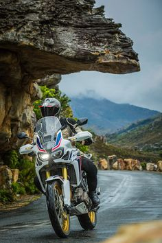 Ride Review: The 2016 Honda Africa Twin Is Exactly What We've Been Waiting For Honda Bikes, Honda Motorcycles, Trail Motorcycle, Motorcycle Adventure, Motogp Valentino Rossi, Honda Africa Twin, Ride 2, American Motorcycles, Super Bikes