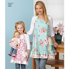 "Simplicity Pattern 1240 Aprons for Misses, Children and 18"" Doll"