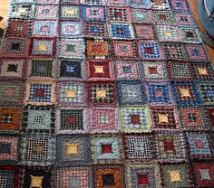 Quilt Inspiration: Waste not, want not: Quilts from reclaimed clothing (rag quilt in plaid) Reuse Old Clothes, Attic Window Quilts, Shabby Chic Quilts, Rag Quilt Patterns, Plaid Quilt, Flannel Quilts, Shirt Quilts, Contemporary Quilts, Scrappy Quilts