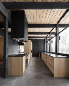 Black Wood Kitchen Beams New Ideas Kitchen Interior, Home Interior Design, Kitchen Design, Kitchen Wood, Kitchen Cabinets, Quebec, Wood Frame House, Wood Store, Small Kitchen Storage