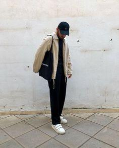 Urban Outfitters Men, Minimalist Outfits, Well Well, Vintage Pants, Aesthetic Fashion, Men Looks, Wardrobes, Farmer, Street Wear