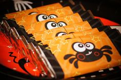 Halloween Party Favor Candy Bars #halloween #partyfavors