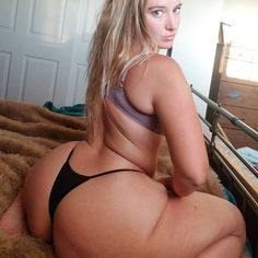 Sexy white chick with big butt teasing