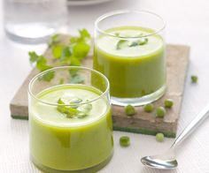 Découvrez notre recette de crème de petits pois à la coriandre et au citron vert. Idéale pour l'entrée.