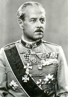 Axis leaders - Knight Géza Lakatos de Csíkszentsimon April 1890 – 21 May was a colonel general in the Hungarian Army during World War II who served briefly as Prime Minister of Hungary, under governor Miklós Horthy from 29 August until 15 October