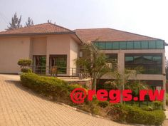 Furnished apartments in Kigali – Nyarutarama Location: District of Gasabo, Nyarutarama Description of each: - 2 bedrooms - A sitting room - 2 restrooms (WC) - A modern kitchen A parking Boy'...