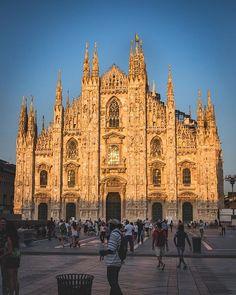 I think this is the most famous place in Milan Im i right ? #mymilano #igersmilano #milano4you #milano #lombardia #italy #ig_milano #nikonitalia #igersitalia #italiainunoscatto #ig_italy #instaitalia #ig_lombardia #ig_italia #italy_vacations #vivo_italia #milanocity #ig_europe #ig_europa #living_europe #instamilano #europe_vacations #cbviews #ig_world_colors #italian_places #worldplaces #theworldshotz #milanodavedere #europe_vacations Famous Places, Barcelona Cathedral, Vacations, Milan, Europe, City, World, Colors, Travel