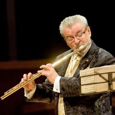 James Galway is a famous, amazing flute player. James Galway, Grandmothers Love, Oral History, First Language, Classical Music, Biography, Music Artists, The Dreamers, Musicals