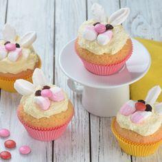 pecenijeradost cupcakes - Hledat Googlem Marshmallows, Mini Cupcakes, Food, Meet, Candy, Marshmallow, Essen, Meals, Yemek