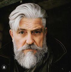 Grey Hair Beard, Men With Grey Hair, Moustache, Beard No Mustache, Grey Beards, Long Beards, Mood Off Images, Old Man Fashion, Cigar Men