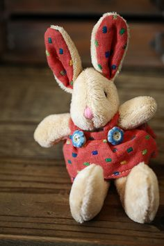 Easter bunny embellished with two Incomparable Buttons