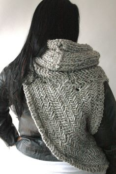 the Katniss cowl // the District 12 cowl // cowl by theLOVEstitch #katnisscowl  #hungergames