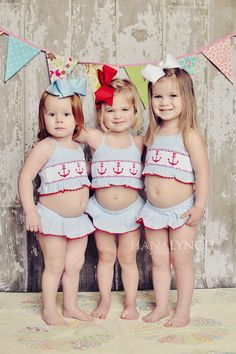 @Amanda Snelson Maloney & Cindy Paluch- this would be soooo fun to do with the girls!